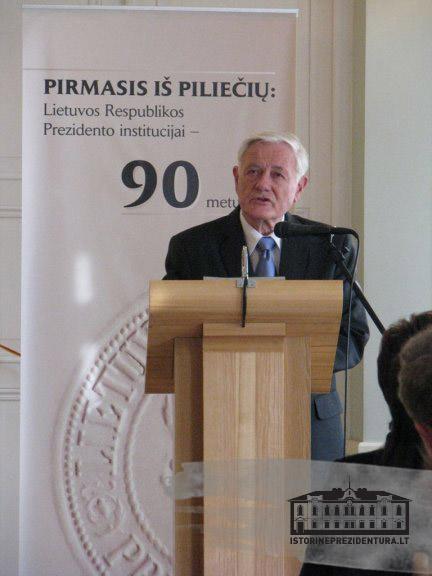 Pirmasis iš piliečių: Lietuvos Respublikos Prezidento